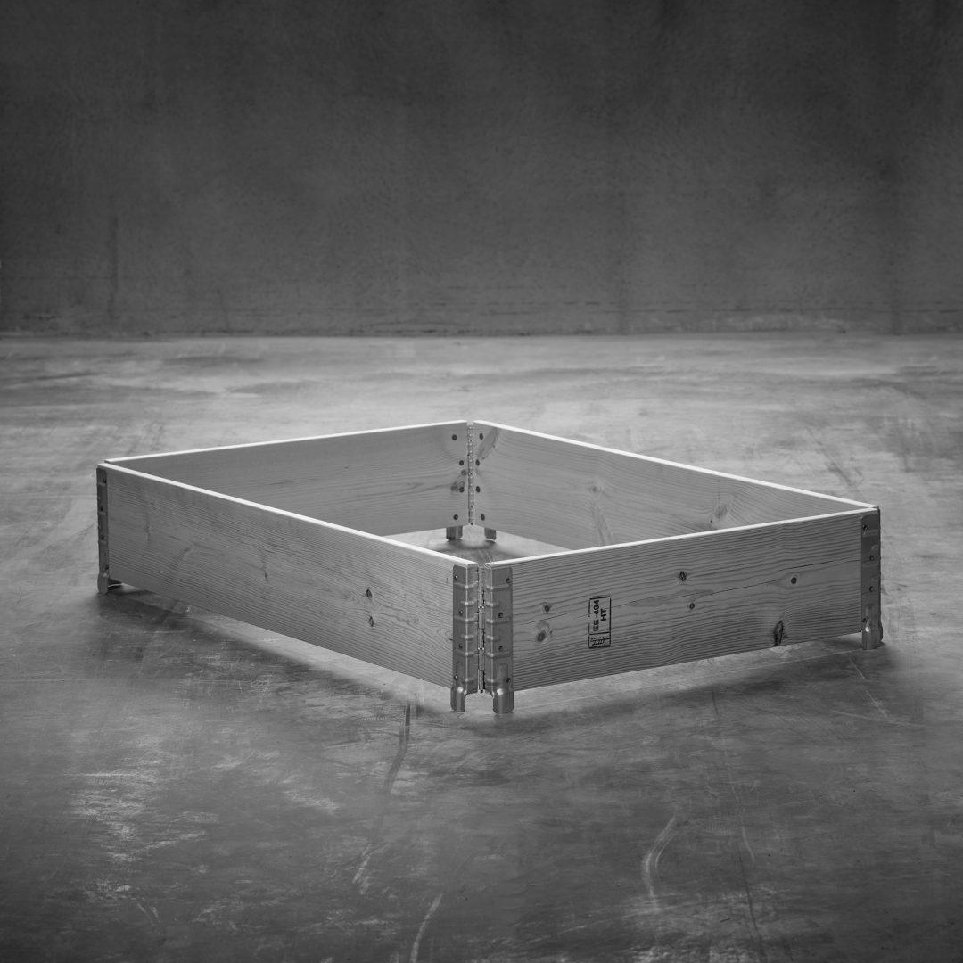 Produktfoto: Pallkrage till helpall stående på betonggolv.