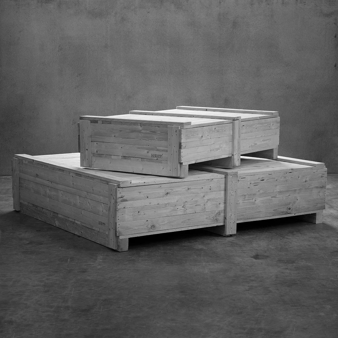 Produktfoto: Två stora lådor på varandra.